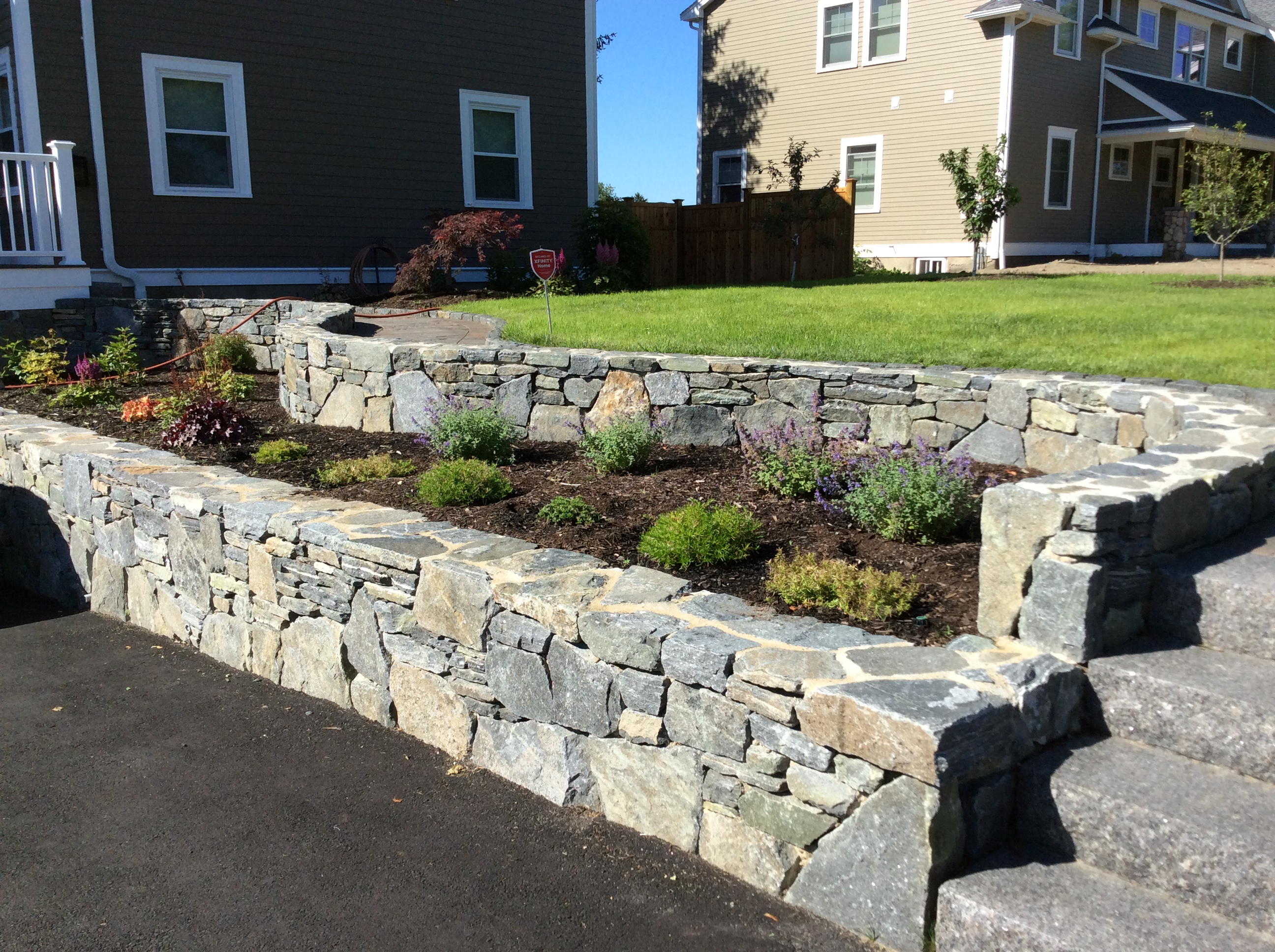 Tips On How To Build A Solid Retaining Wall Base